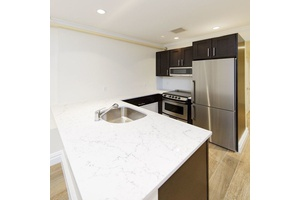 Newly Renovated Brooklyn Heights 4 Bed/2 Bath: Offering 2 Months FREE & No Fee!