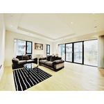 A wonderful unit in a high-spec, new apartment set on the exclusive, much sought after London City Island development.