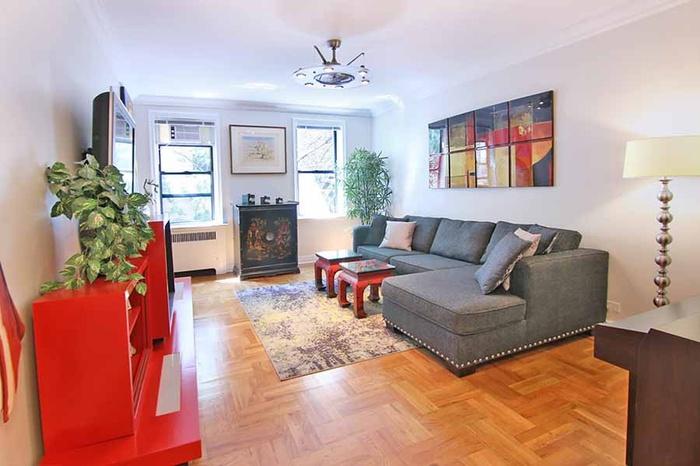 ** 208 E.28 St**Designer One bedroom ** Investor friendly **