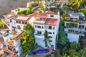 GORGEOUS BIRD STREETS 5BR 6BA SPANISH VILLA & FMR CELEB HOME! VIEWS, THEATER, WINE CELLAR, & GUEST HOUSE - MUST SEE!!