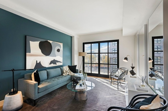 IMMACULATE 2 BEDROOM ON MCCARREN PARK WITH PRIVATE OUTDOOR SPACE
