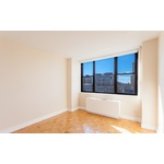 NO FEE Spacious 1 bed/1 bath Apartment in Yorkville in Amenity Filled Luxury Building