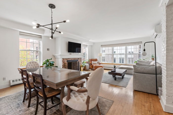 Sun Drenched Spacious 1 Bed Condo Seaport District w. Wood Burning Fireplace