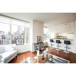 Gorgeous Corner 2 Bedroom in Hudson Yards, No Fee!