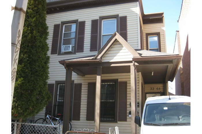 NO FEE Astoria 2 Bed with Outdoor Space