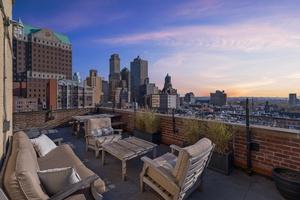 Amazing 1 bedroom penthouse with secluded rooftop in Brooklyn Heights
