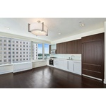 Sunny and Spacious 2 Bedroom in FiDi - 2 Months Free! No Fee
