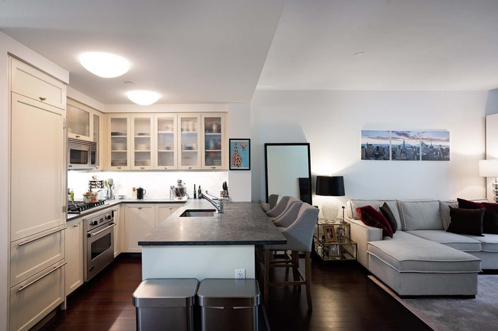 Spacious 1 Bedroom for Rent at The Rushmore | UWS