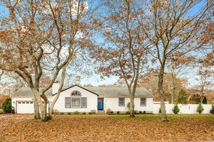 Spacious Ranch in Hampton Bays with Heated Pool