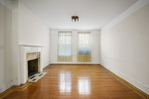 EVERYONE wants the grandeur that is a Three bedroom/ Two bathroom in the infamous Hawthorne Court!
