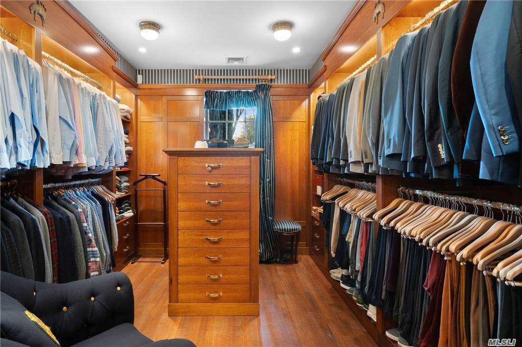 Dressing Room 2