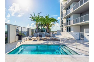 2 MONTHS FREE| South Miami| Luxury Apartment  4 br/4.5ba| 2324 SF