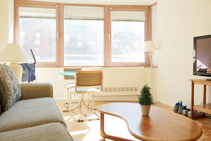 NO FEE 1 Bedroom Apt with Gorgeous Terrace