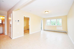Astoria: NO FEE! New Construction 1 BR Apartment For Lease w/ Balcony & Dishwasher