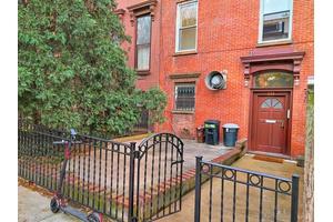 Duplex Parlor & Penthouse Townhouse - Park Slope Gem - 4 bed - 2 bath - 2 homeoffice or breakfast nook - 2 wood burning fireplaces