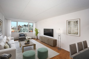 No Fee 2 Bed/1 Bath Apartment in Luxury Noho Building