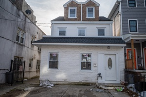Fully Renovated 4 Bedroom in Journal Square