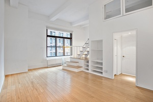 Spacious One Bedroom Duplex Loft in Murray Hill