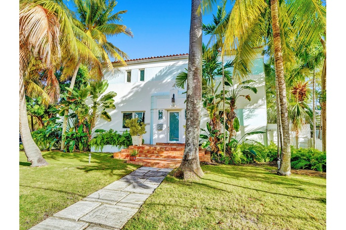 Miami Beach Single-Family | 9496 sf Lot | Pool | Boat Parking | Two-Car Garage | 2954 sf