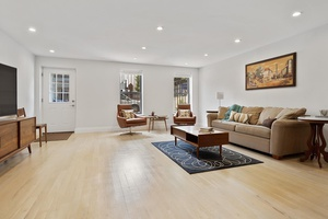 Beautifully renovated 1100 Sqft 2 bedroom in Bushwick