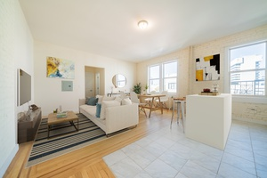 Beautiful Renovated 1BR Apartment located at 129 Magnolia Avenue. No Fee and 1 Month Free.