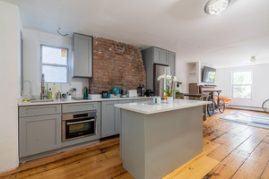 Renovated Pre War 2 Bedrooms Apartment located in Downtown Jersey City w/ Private Terrace!