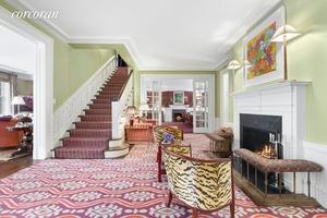 830 Park Avenue the Upper East SideA s premier prewar home for grand duplex living.