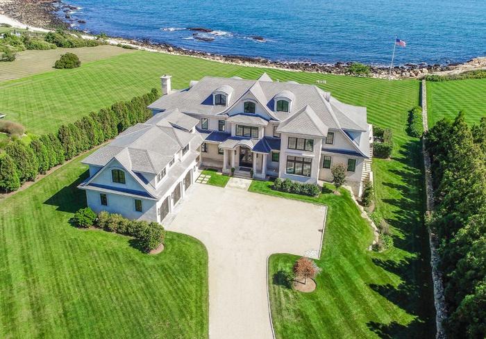 Ultra Luxury Oceanfront Estate in Scenic Rhode Island