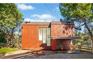 Peaceful Gorgeous NEWLY RENOVATED Laurel Cyn duplex Retreat W/Views!! MUST SEE!