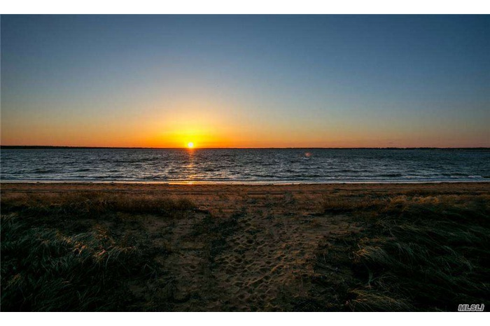 Spectacular Summer Rental Opportunity with Private Beach!