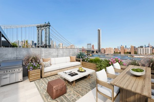 STUNNING DUMBO PENTHOUSE WITH BREATHTAKING NYC SKYLINE, WATER & BRIDGE VIEWS
