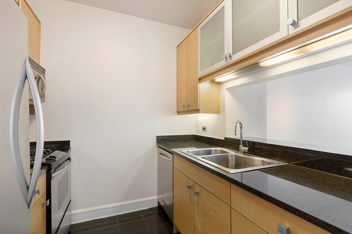 JUST LISTED! 1 Bedroom Apartment for Rent on Riverside Boulevard | UWS