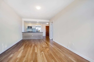 Super Sunny 1 Bed with Terrace Ditmars Stop*NO FEE*