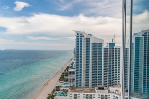 Miami Luxury Condo | Trump Hollywood | 3 Bed, 3.5 Bath Waterfront Mansion in the Sky | Private Elevator