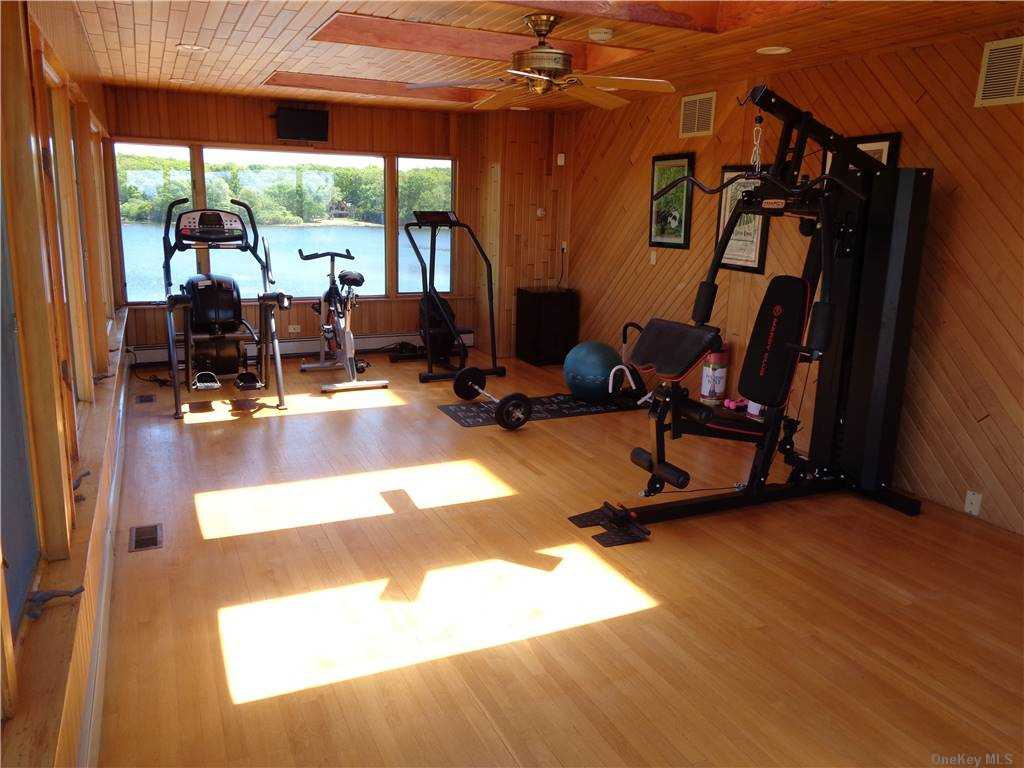 Large equiped workout rm