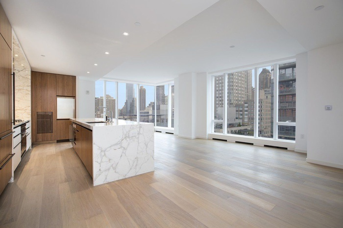 No Fee! 3 Bedroom at luxurious One West End