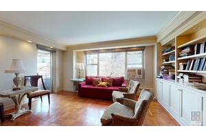 Great condition 2 bedroom with balcony apartment overlooking theco ops private park !