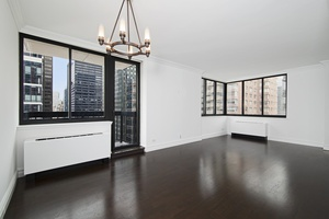 2 bed/2 bath with balcony and great open city views for Rent