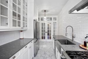 BRIGHT & SPACIOUS 1 bedroom/1 bathroom in Hudson Heights
