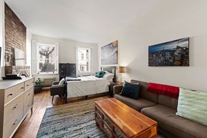 JUST LISTED BEST PRICED CHELSEA STUDIO - $400K!!!