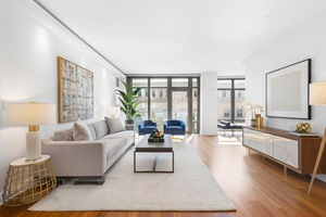 Modern 3 Bedroom Condo with Balcony In The Heart of Tribeca