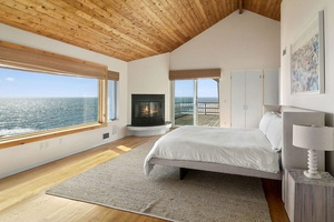 Classic Home with Oceanfront View in Montauk