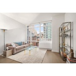 Beautiful 1 Bedroom in Murray Hill, floor to ceiling windows, amazing views. W/D in unit