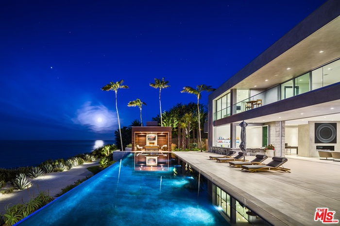 pool w/ sunset views