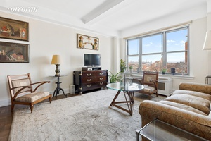 Perched high above Grand Army Plaza with spectacular views north and east, this 10th floor corner apartment is filled with natural light from sunrise to sunset.