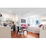 Beautiful Murray Hill studio, amenity filled building, East River views!