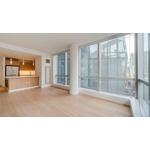 No Broker Fee! Sunny Studio Apartment on Park Ave!
