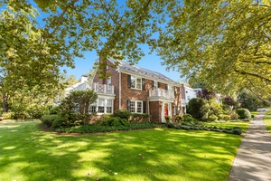 Munsey Park Colonial