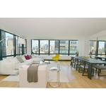 Stunning Open Concept 3 Bed in Upscale Upper East Side!