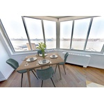 2 Bed, 2 Bath With Stunning Hudson Views !